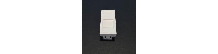 45X22.5mm Volet Protection Plastron 45X22.5mm Volet de protection Plastron RJ45 Cobox Plastron 45x22.5mm Volet de protection