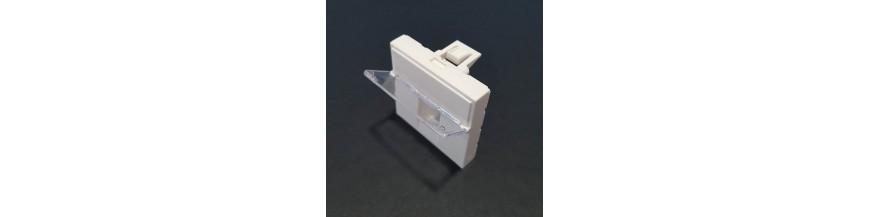 Plastron RJ45 Plastron RJ45 Connectiques Cobox Plastron 45x22.5mm Porte Étiquette Plastron 45x22.5mm Volet de protection Plastr